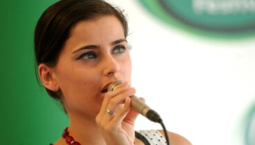nelly-furtado-2